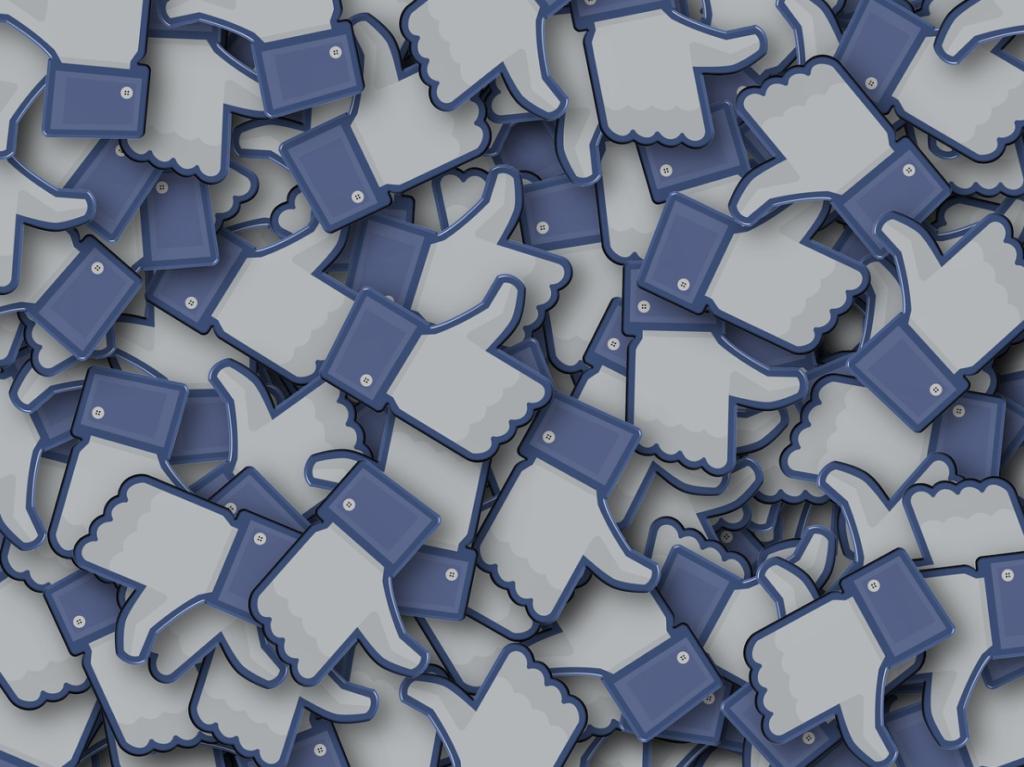 Facebookページでフォロワーを獲得する方法は?